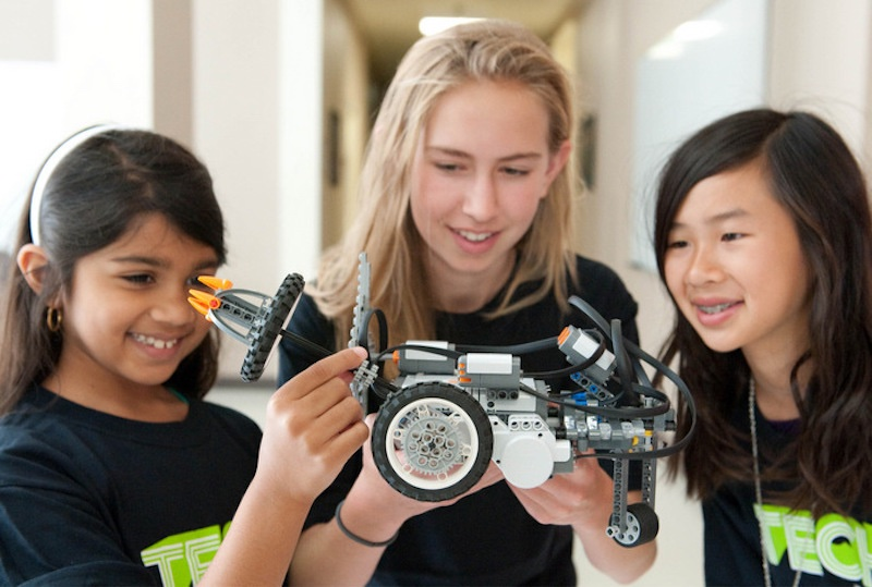 Blog post image for The Coolest STEM Summer Camp for Teens and Pre-teens (iD Tech: The #1 Summer Tech Education Program)
