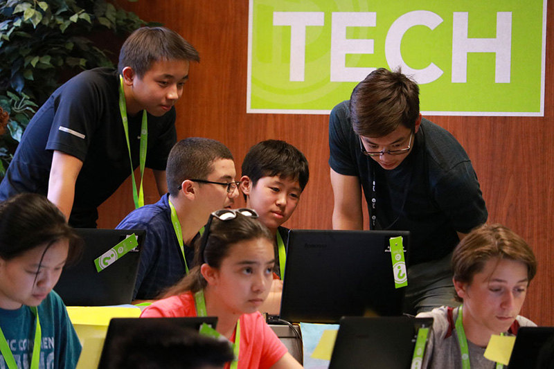 Blog post image for iD Tech: The #1 Summer Tech Education Program